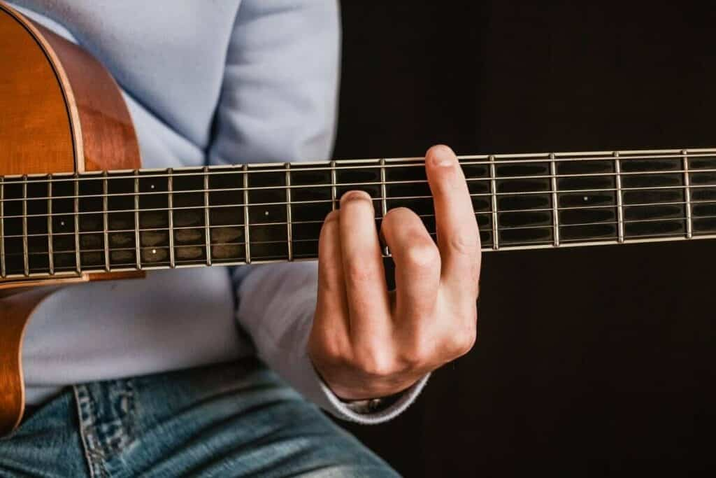 how to toughen fingertips for guitar playing