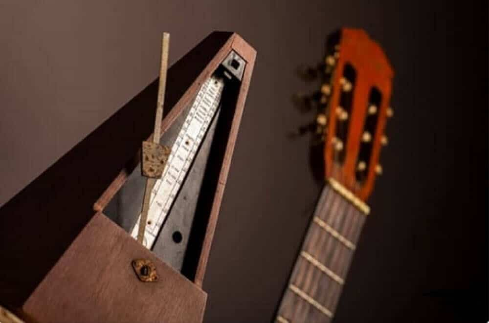 practice guitar with a metronome