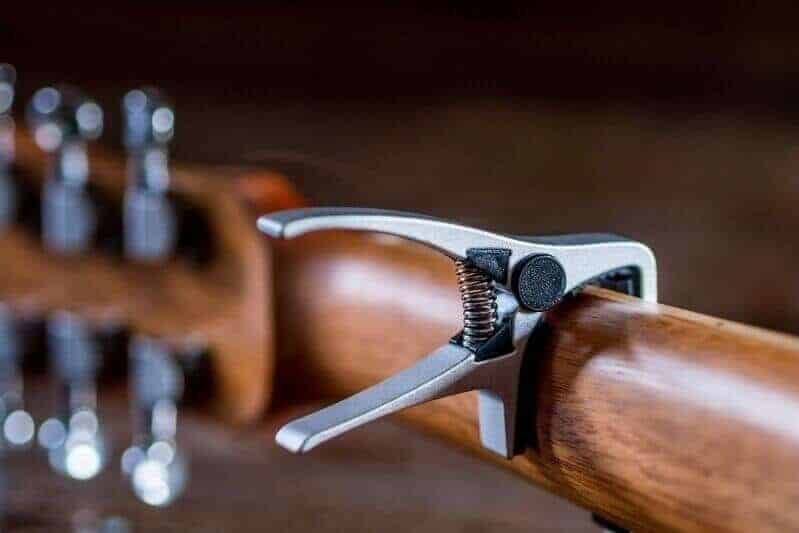 Best Capo For 12 String Acoustic Guitar