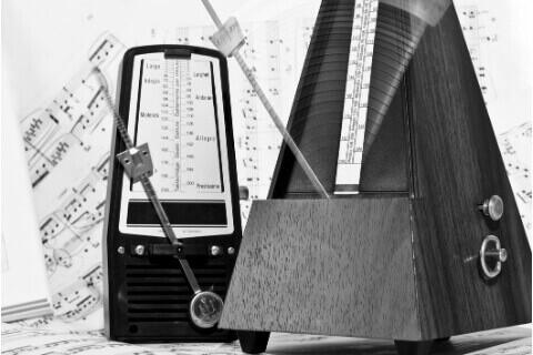 Metronome: Guitar Tips for Older Beginners