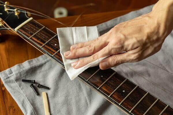Best way to clean rosewood fret board